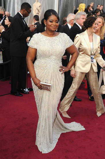 octavia-spencer-white-gown-oscars-2012-pictures
