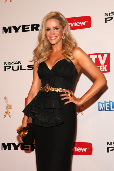 2013+Logie+Awards+Arrivals+DWWKfGP01syl-1